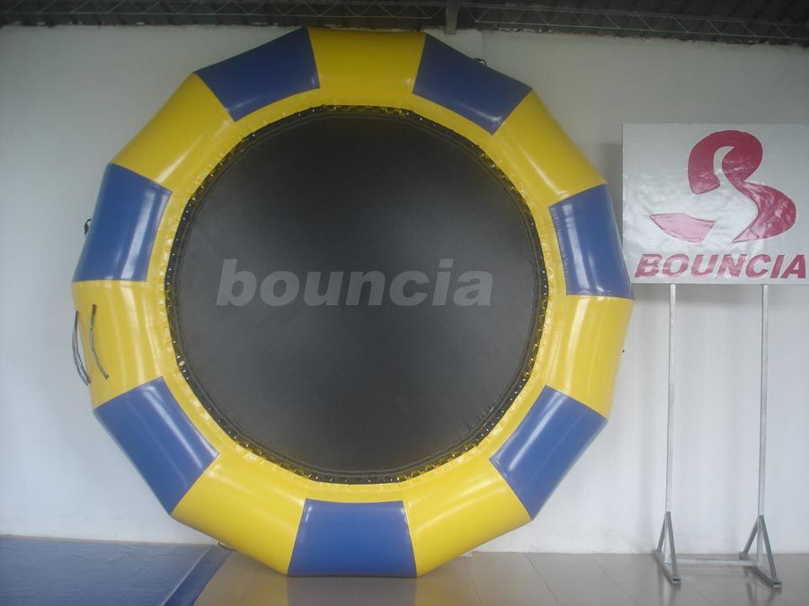 Professional Made Fabric Inflatable Water Trampoline for Water Park